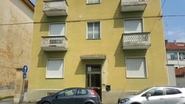 Appartamento in buone condizioni in affitto Rif. 6624745