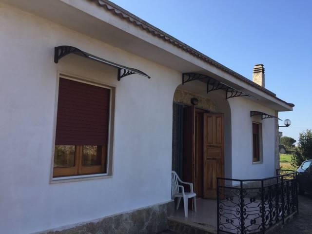 Villa in buone condizioni in vendita Rif. 6973097