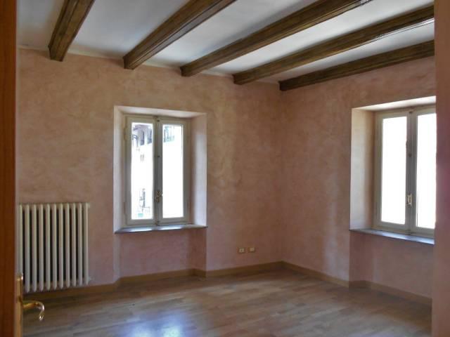 Appartamento in ottime condizioni in vendita Rif. 6988391