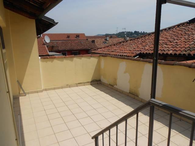 Appartamento in ottime condizioni in vendita Rif. 6988392