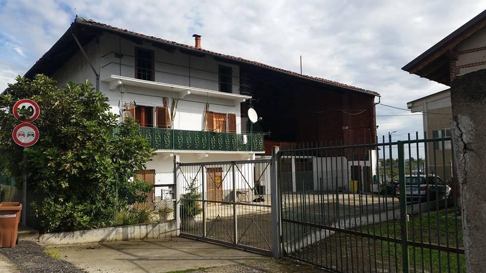 Rustico / Casale in buone condizioni in vendita Rif. 6989426