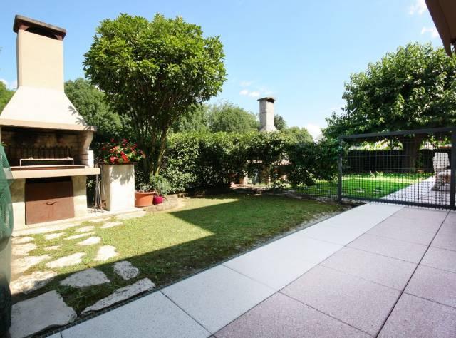 Appartamento in buone condizioni parzialmente arredato in vendita Rif. 6987887