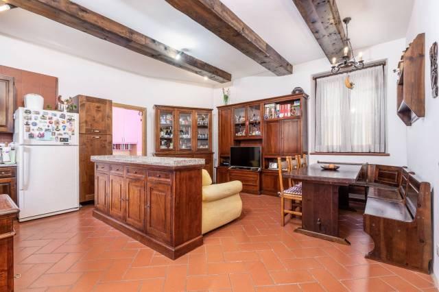 Appartamento in ottime condizioni in vendita Rif. 6986748