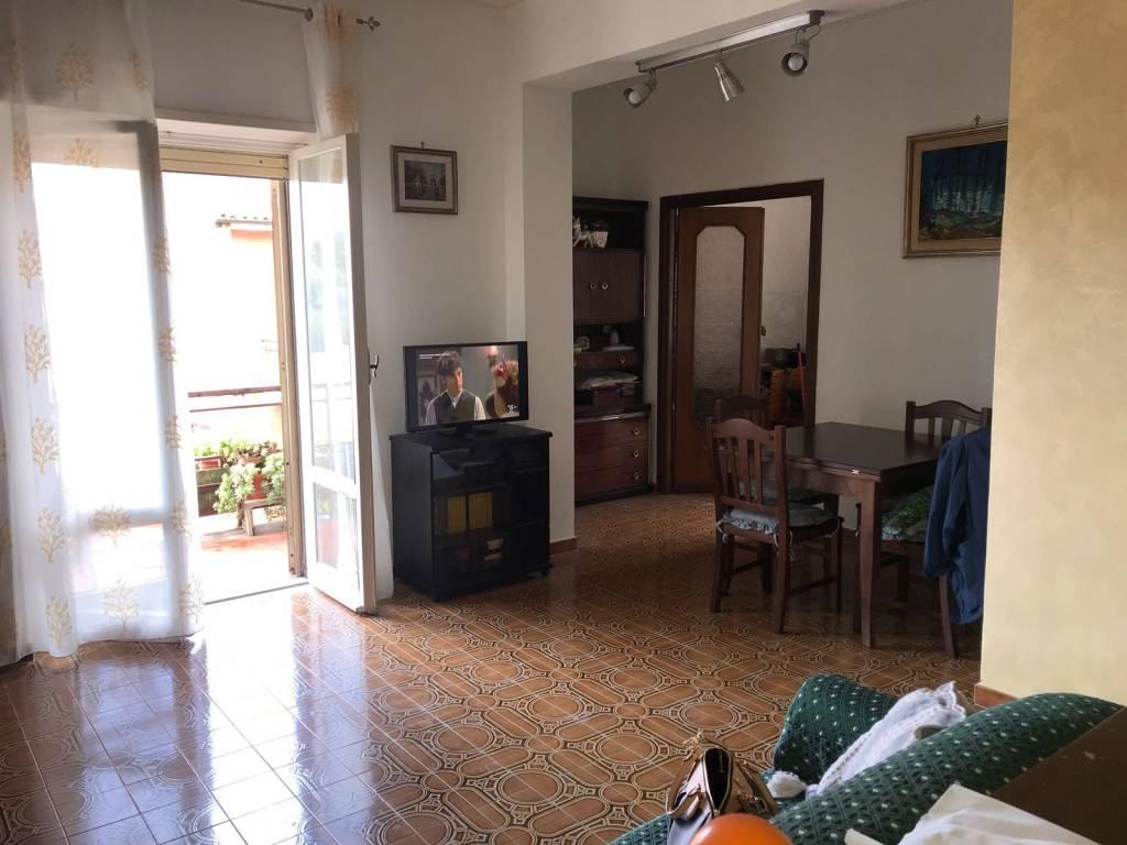 Appartamento in buone condizioni arredato in affitto Rif. 9258888