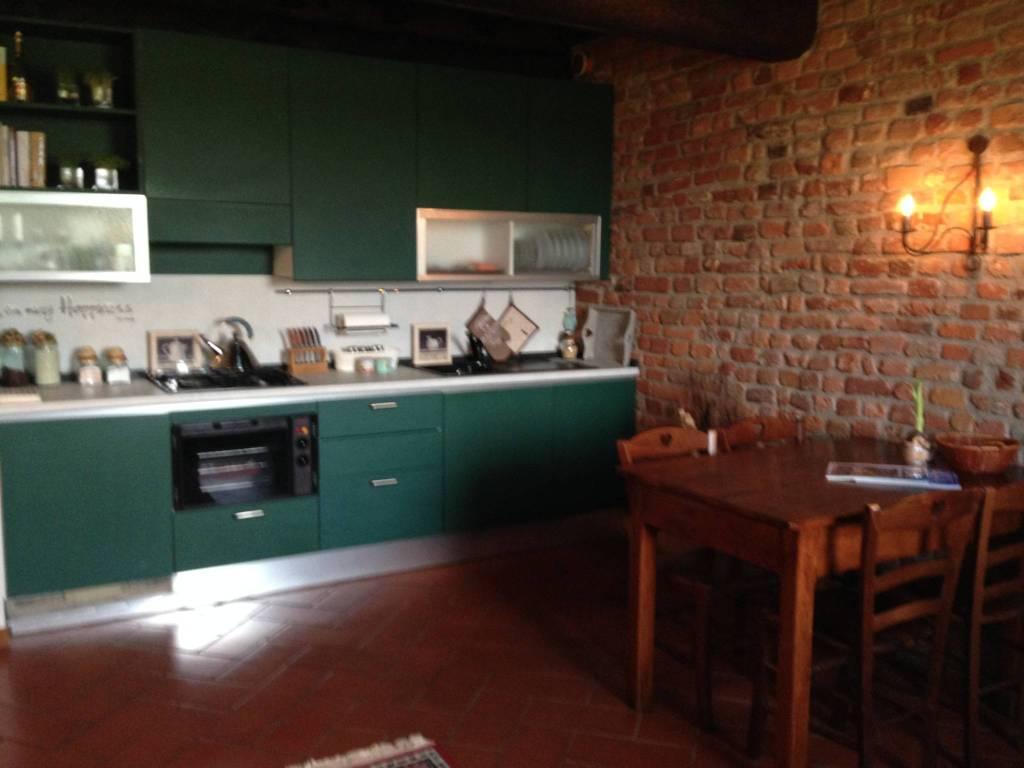 Appartamento in ottime condizioni arredato in affitto Rif. 6989929