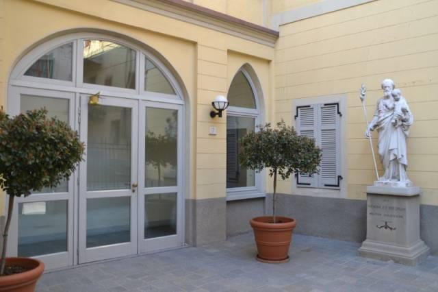 Appartamento in ottime condizioni arredato in affitto Rif. 6986684