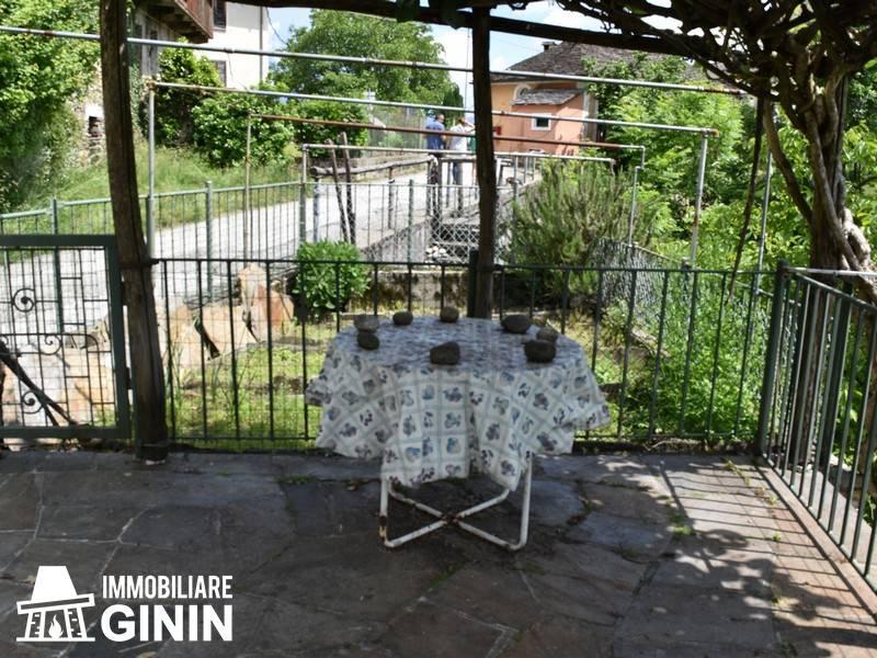 Rustico / Casale in buone condizioni arredato in vendita Rif. 7003443