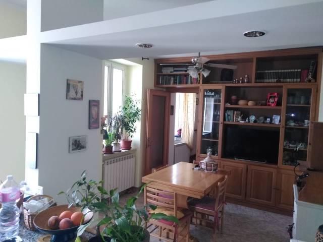 Appartamento in buone condizioni parzialmente arredato in vendita Rif. 7002709