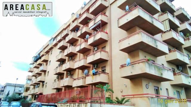 Appartamento in buone condizioni in affitto Rif. 7004254
