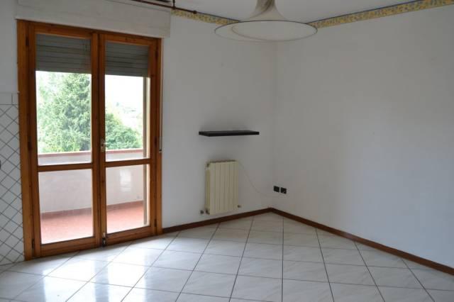 Appartamento in buone condizioni in vendita Rif. 7001218
