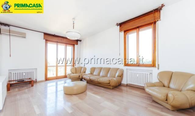 Appartamento 5 locali in vendita a Carpi (MO)