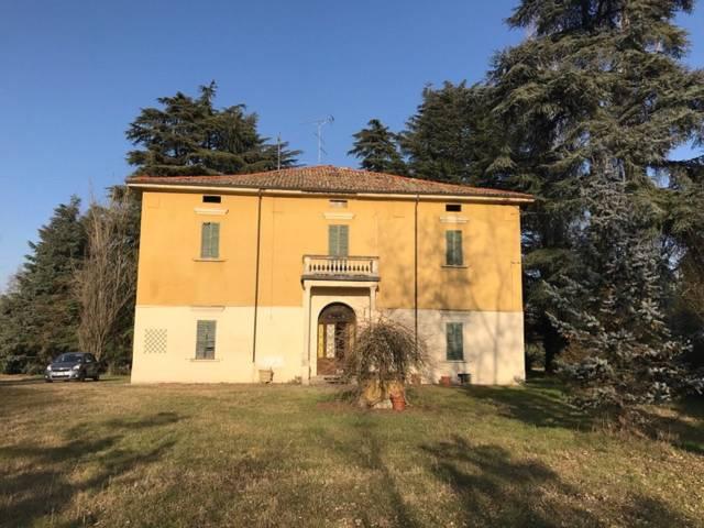 Villa da ristrutturare in vendita Rif. 7002426