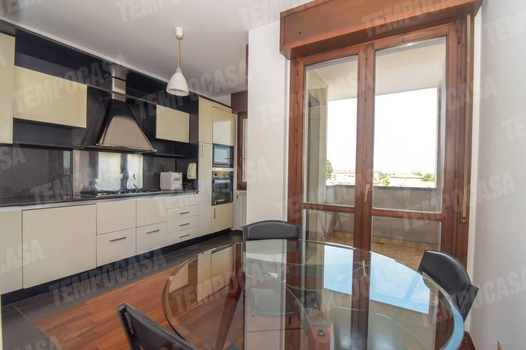 Appartamento in ottime condizioni parzialmente arredato in vendita Rif. 7005635