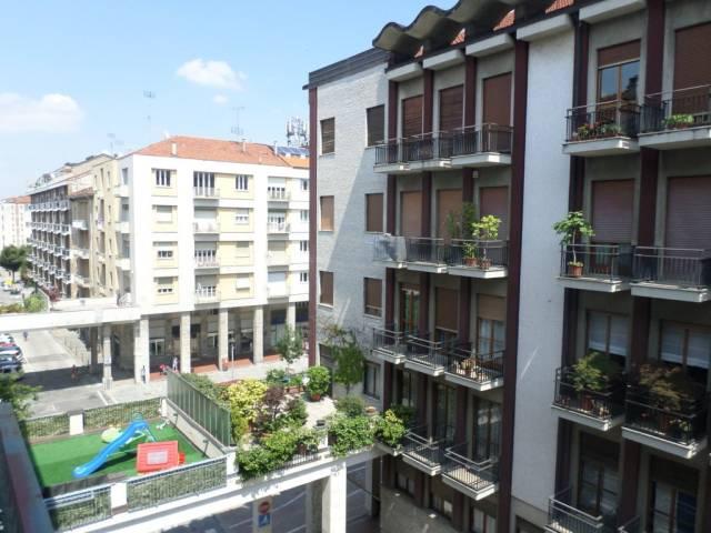 Appartamento in buone condizioni arredato in affitto Rif. 7002304