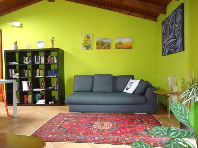 Appartamento in buone condizioni arredato in vendita Rif. 7004274