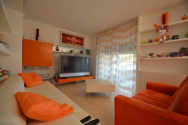 Appartamento in ottime condizioni in vendita Rif. 7002910