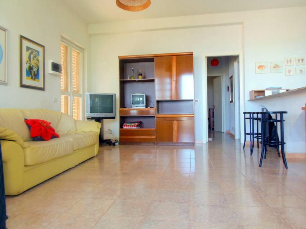 Villa in buone condizioni arredato in vendita Rif. 8660526