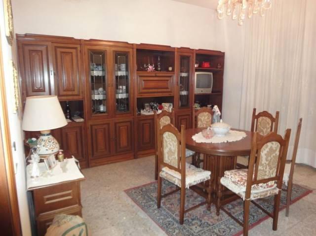 Appartamento in buone condizioni in vendita Rif. 7003561