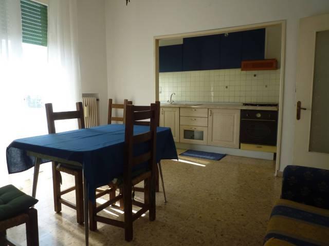 Appartamento in ottime condizioni arredato in affitto Rif. 7015524