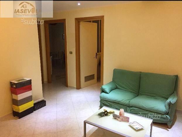 Appartamento in buone condizioni in vendita Rif. 7012487