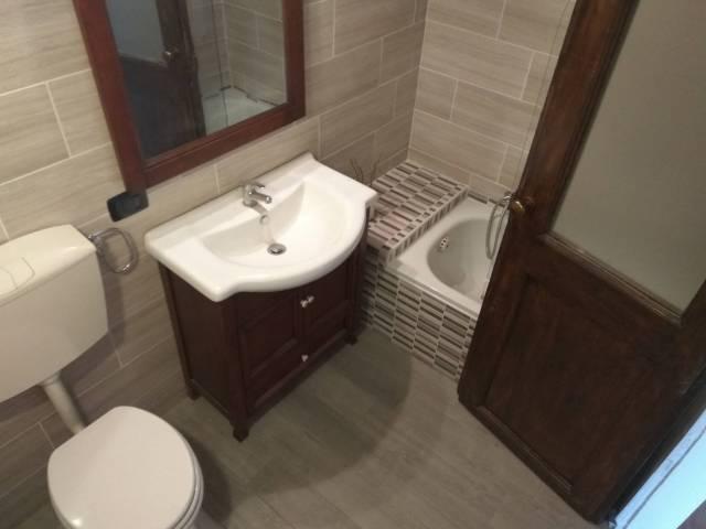 Appartamento in buone condizioni in vendita Rif. 7015239