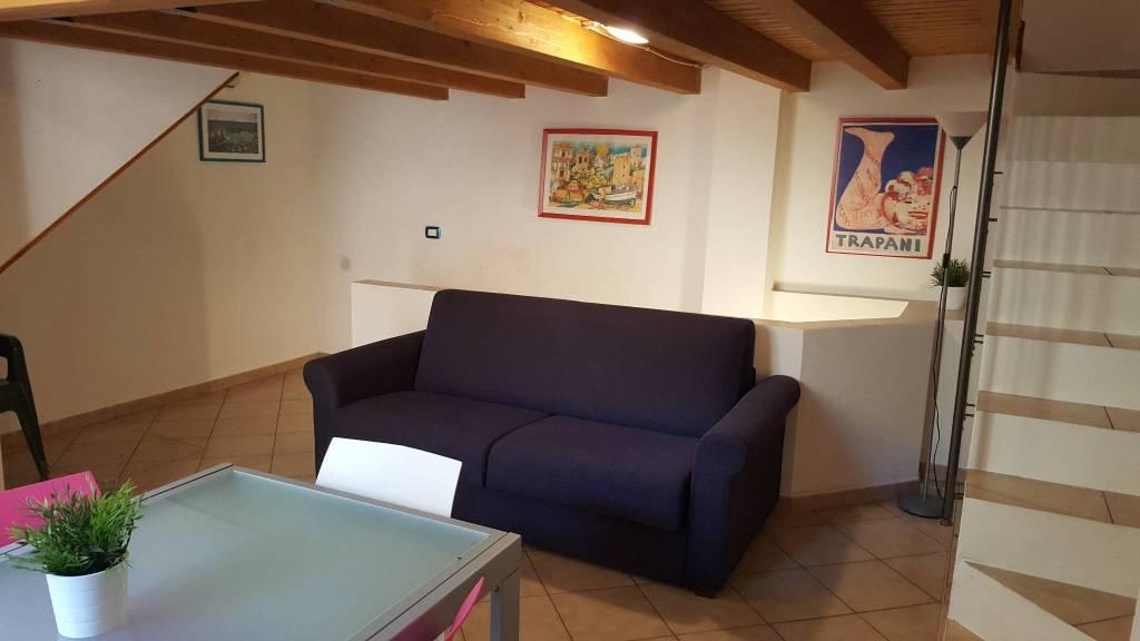 Appartamento in ottime condizioni arredato in vendita Rif. 8188271