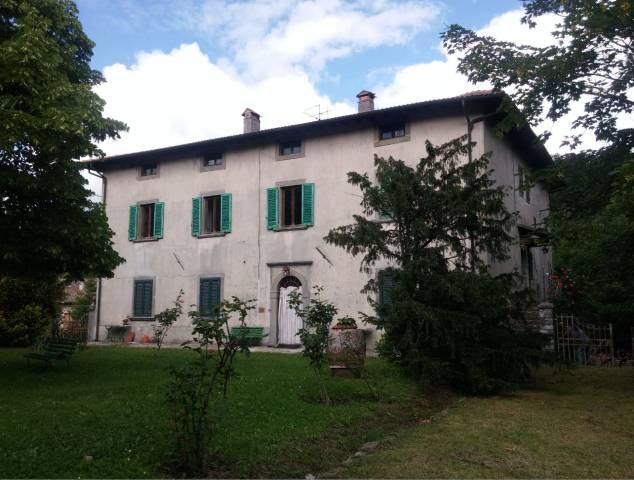 Appartamento in buone condizioni parzialmente arredato in vendita Rif. 7015519