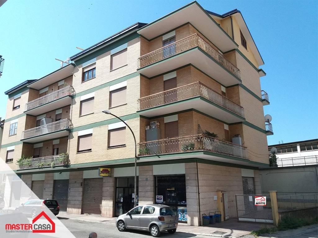 Appartamento in buone condizioni parzialmente arredato in affitto Rif. 9088252