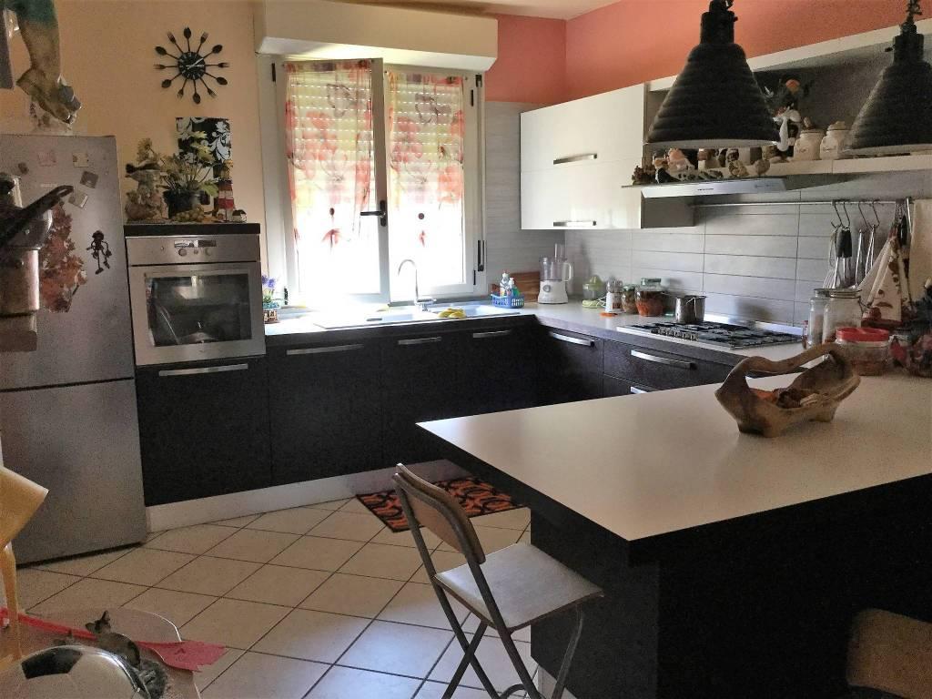 Appartamento in ottime condizioni in vendita Rif. 4331983