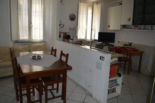 Appartamento in buone condizioni in vendita Rif. 7015668