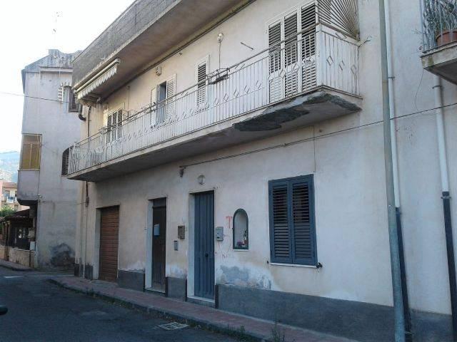 Appartamento in buone condizioni in vendita Rif. 7014673