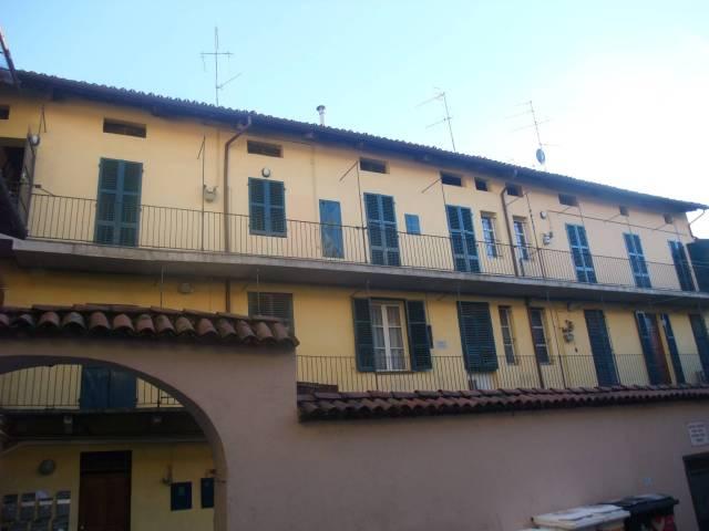 Appartamento in buone condizioni arredato in affitto Rif. 7014195