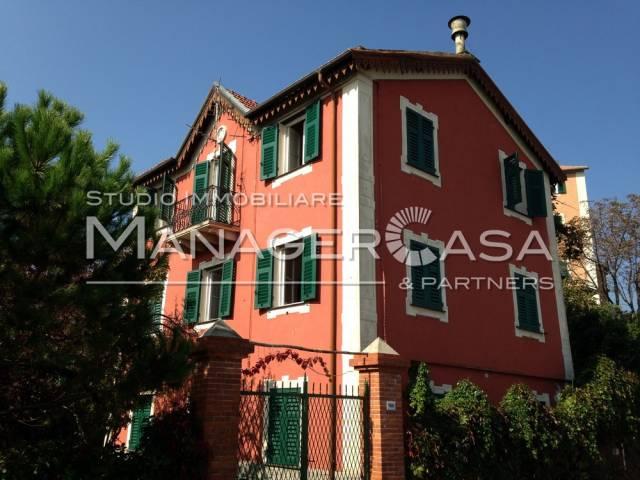 Villa in Vendita a Ceranesi