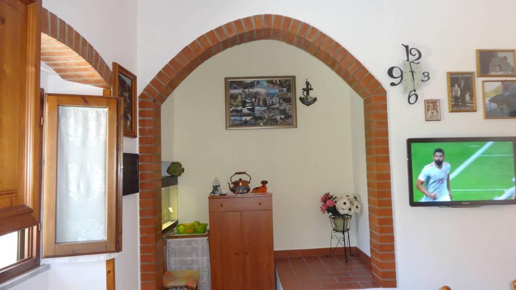 Casa Indipendente in buone condizioni in vendita Rif. 7013980