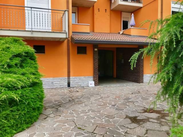Appartamento in buone condizioni in vendita Rif. 7013136