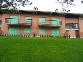 Appartamento in ottime condizioni parzialmente arredato in affitto Rif. 7012471