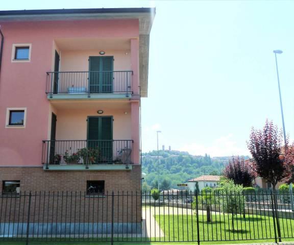 Appartamento in ottime condizioni in vendita Rif. 7013189
