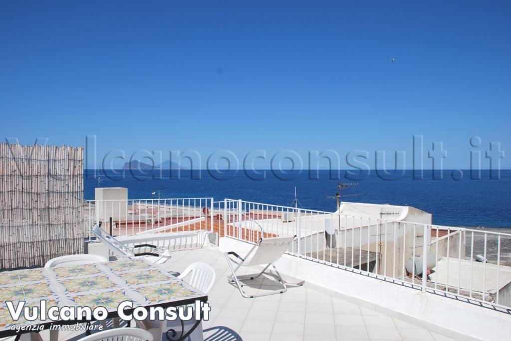 Appartamento in vendita a Lipari, 3 locali, prezzo € 165.000   CambioCasa.it