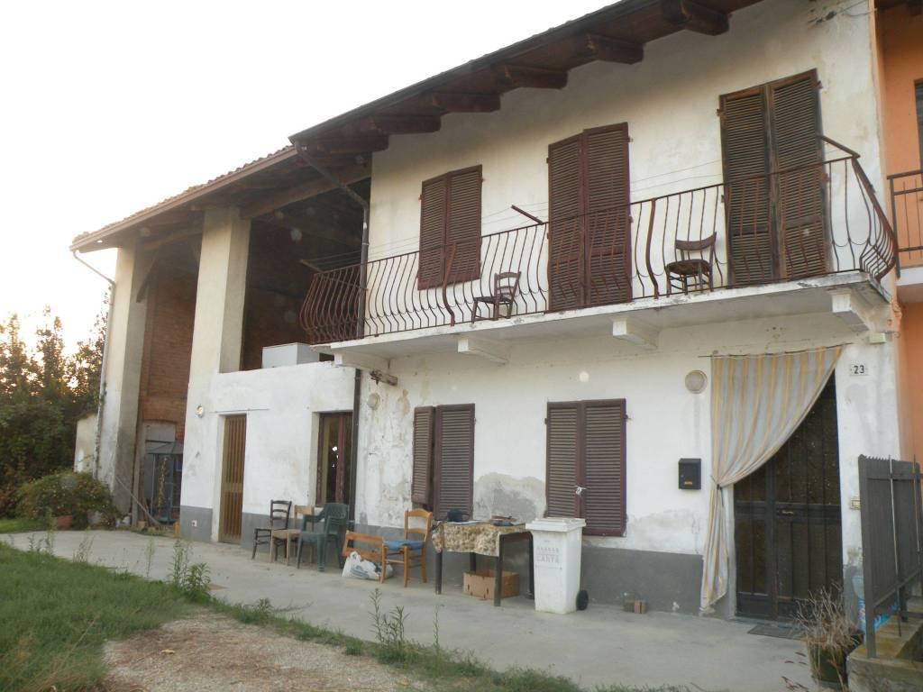 Rustico / Casale in vendita a Monteu Roero, 4 locali, prezzo € 80.000   CambioCasa.it