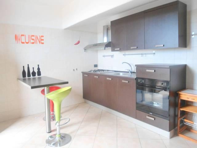 Appartamento in ottime condizioni arredato in affitto Rif. 7012569