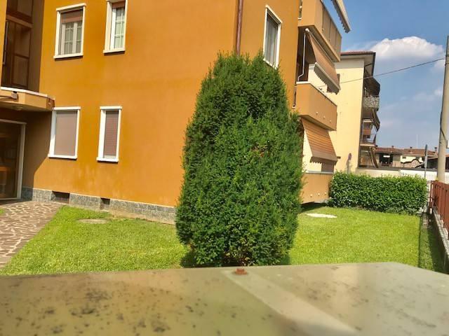 Appartamento in buone condizioni parzialmente arredato in vendita Rif. 7017360