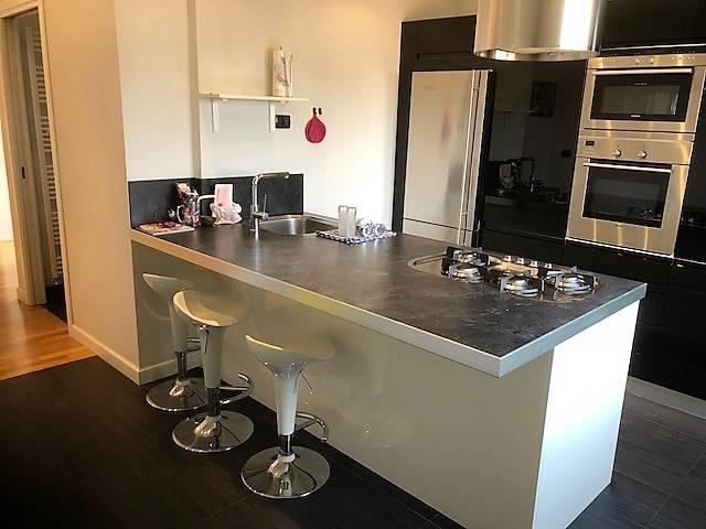Appartamento in ottime condizioni arredato in affitto Rif. 7014722