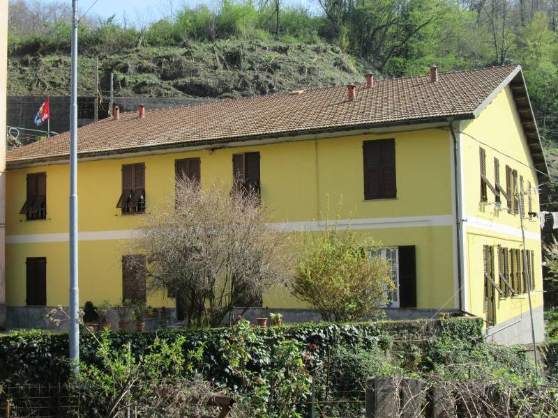 Appartamento in buone condizioni in vendita Rif. 7030629