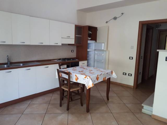 Appartamento in buone condizioni arredato in vendita Rif. 7029841