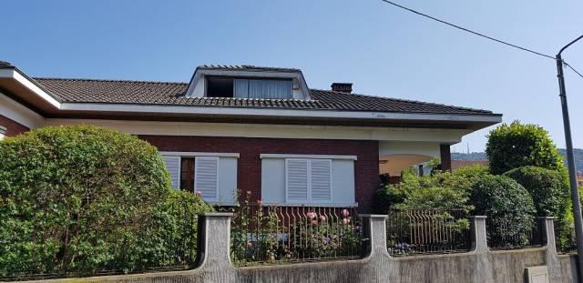 Villa in buone condizioni parzialmente arredato in vendita Rif. 5540534