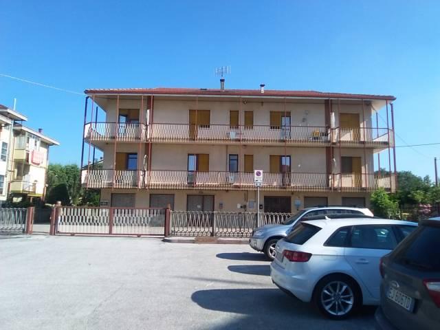 Appartamento in ottime condizioni parzialmente arredato in affitto Rif. 7027760