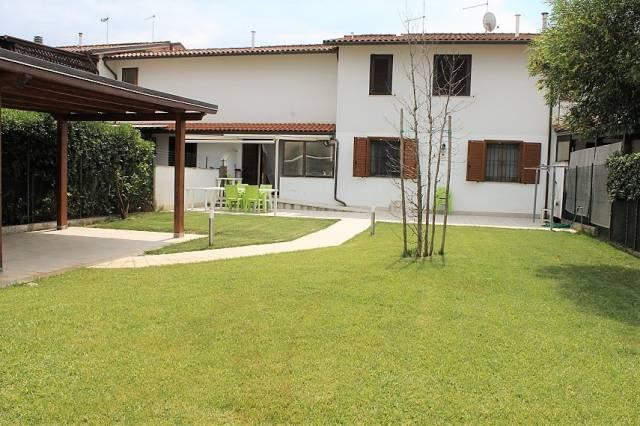 Appartamento in ottime condizioni in vendita Rif. 7027950