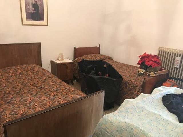 Appartamento da ristrutturare in vendita Rif. 7030333