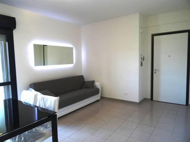 Appartamento in buone condizioni arredato in vendita Rif. 7027982