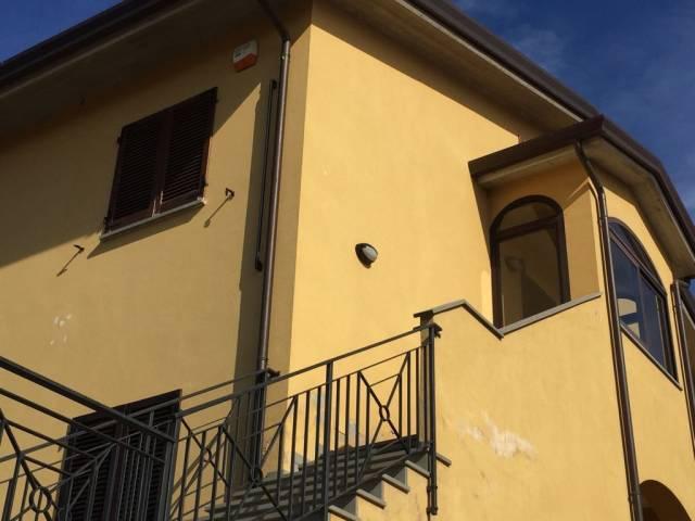 Appartamento in Vendita a Passignano Sul Trasimeno: 4 locali, 115 mq